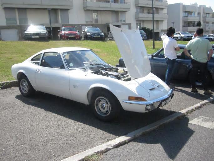 4945e923d5e Desta vez contámos com 3 viaturas  Opel GT 1.9 de 1969